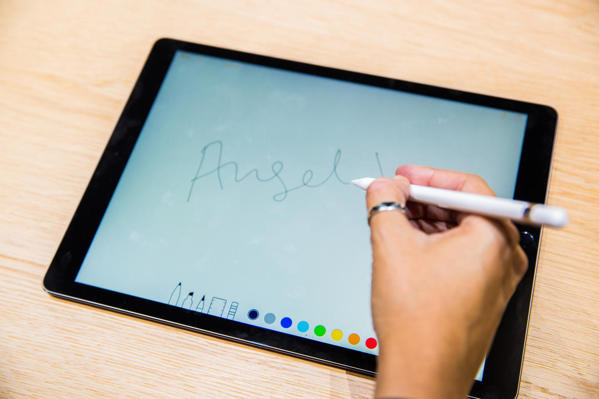 apple-event-sept9-2015-ipad-pro-3180