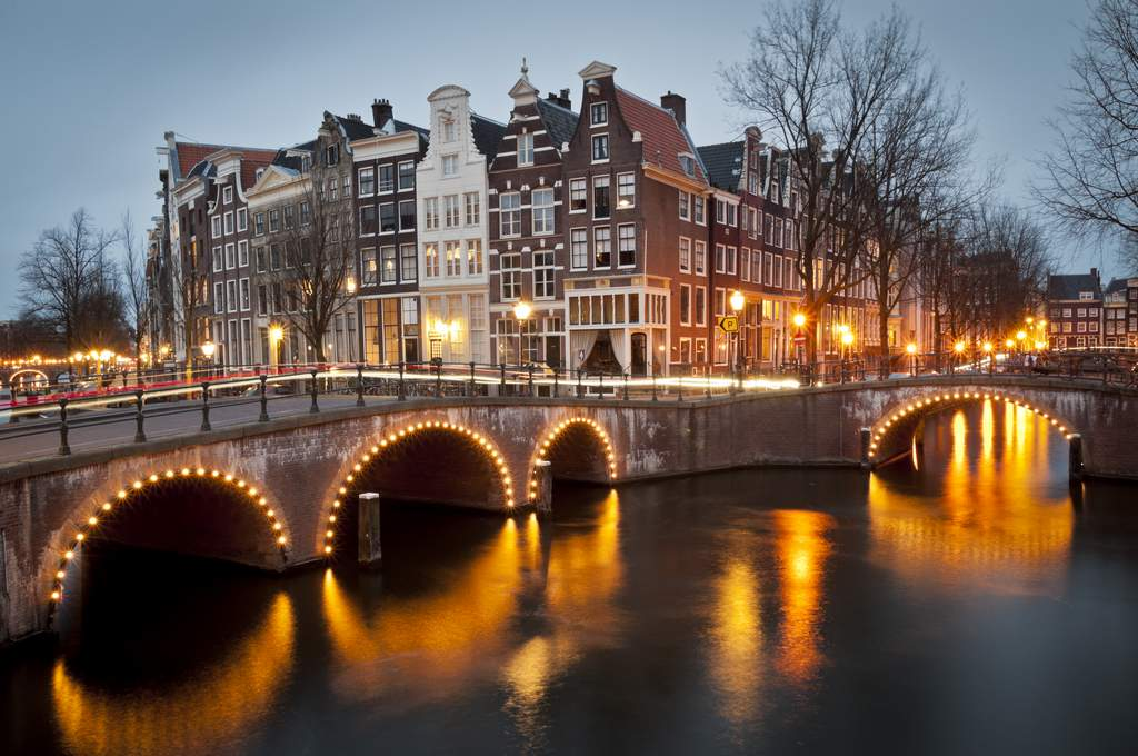 Amsterdam-Canal-Cocktail-Cruise-635841334126260752